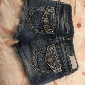 Cute Daytrip shorts